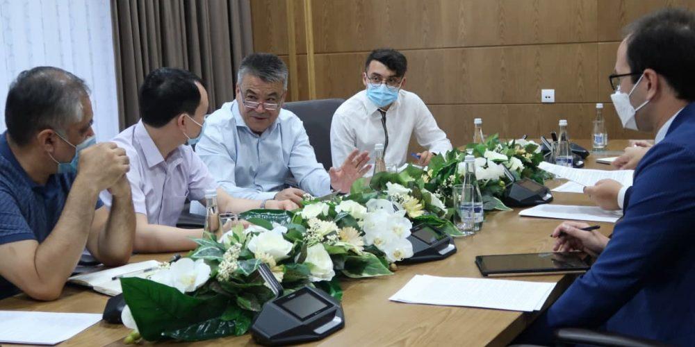 Китай инвестирует в строительство современного фармзавода в Узбекистане