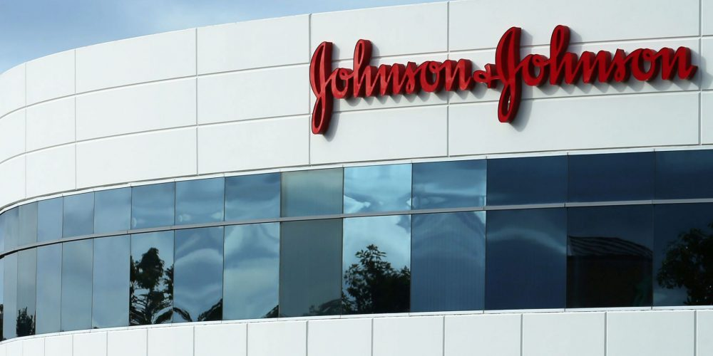 Компания J&J согласилась заплатить $263 млн для урегулирования претензий по опиоидам
