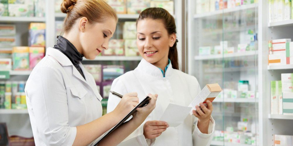 Правительство РФ утвердило 19 мая Днём фармацевтического работника