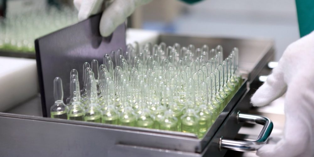 «Р-Фарм», «Биннофарм» и «Генериум» обеспечат необходимый объем выпуска вакцины от COVID-19