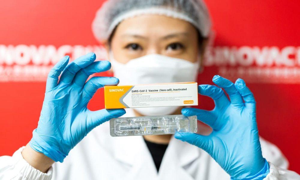 Вакцина Sinovac от COVID-19 одобрена в Китае для использования у детей