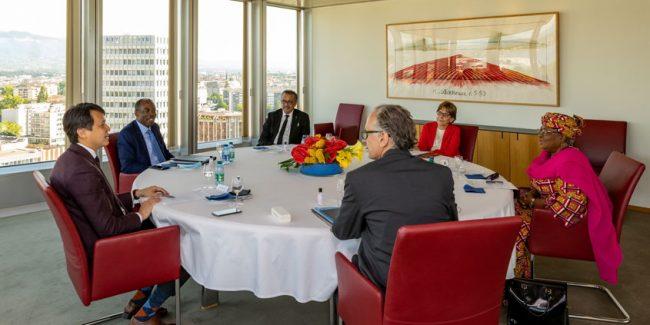 ВОЗ, ВОИС и ВТО окажут трехстороннюю техническую поддержку для борьбы с пандемией COVID-19