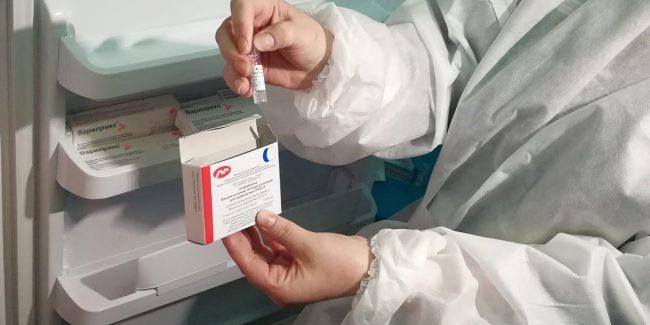 В гражданский оборот поступили более 40 тысяч доз «ЭпиВакКороны»