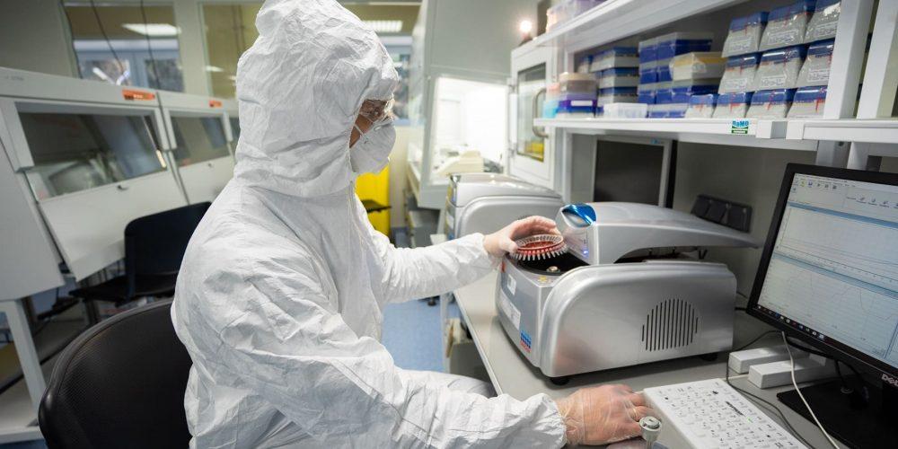 ФГБУ «ВНИИЗЖ» может выпускать порядка 10 тысяч доз «Карнивак-Ков» в сутки