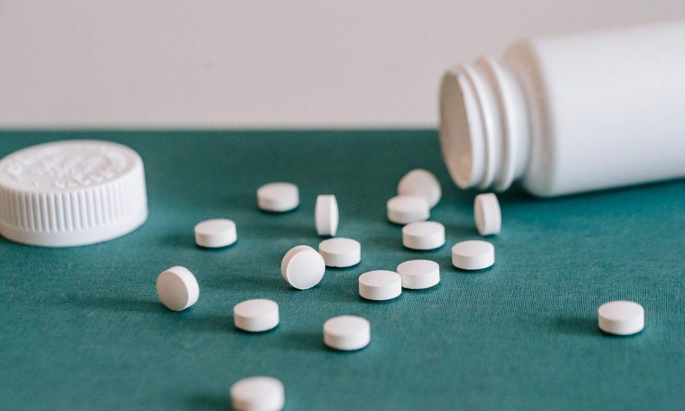 Предложено исключить запрет на использование схемы комиссии при реализации лекарств