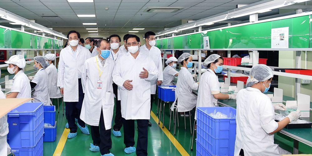 Производство вакцин от COVID-19 во Вьетнаме планируется запустить до конца июня 2022 года