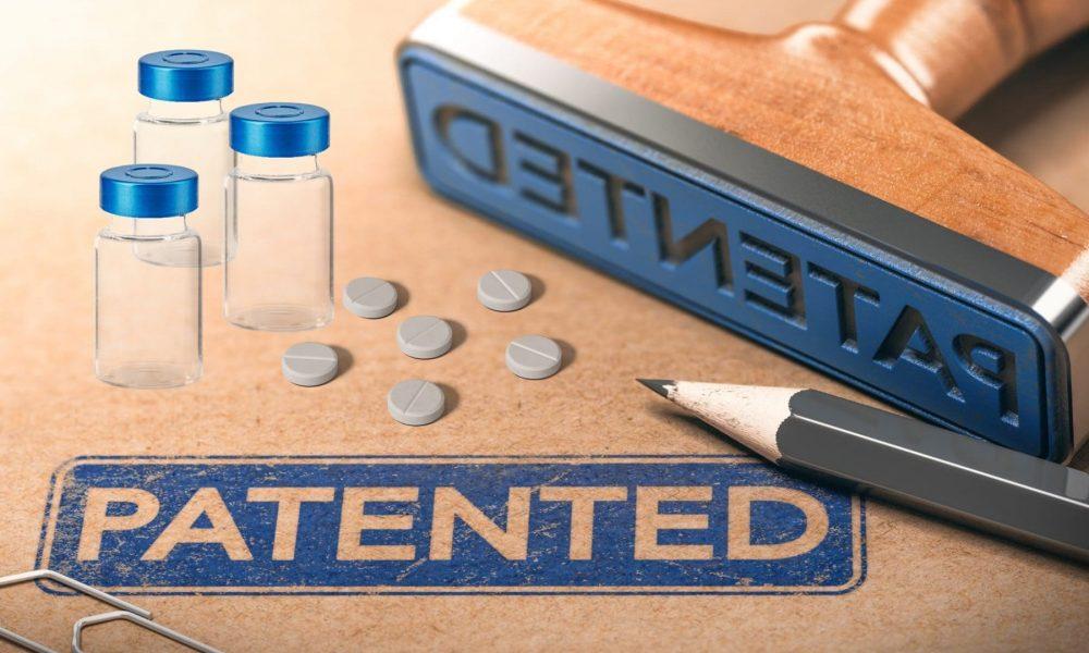Президент РФ подписал закон о производстве лекарств без согласия патентообладателя