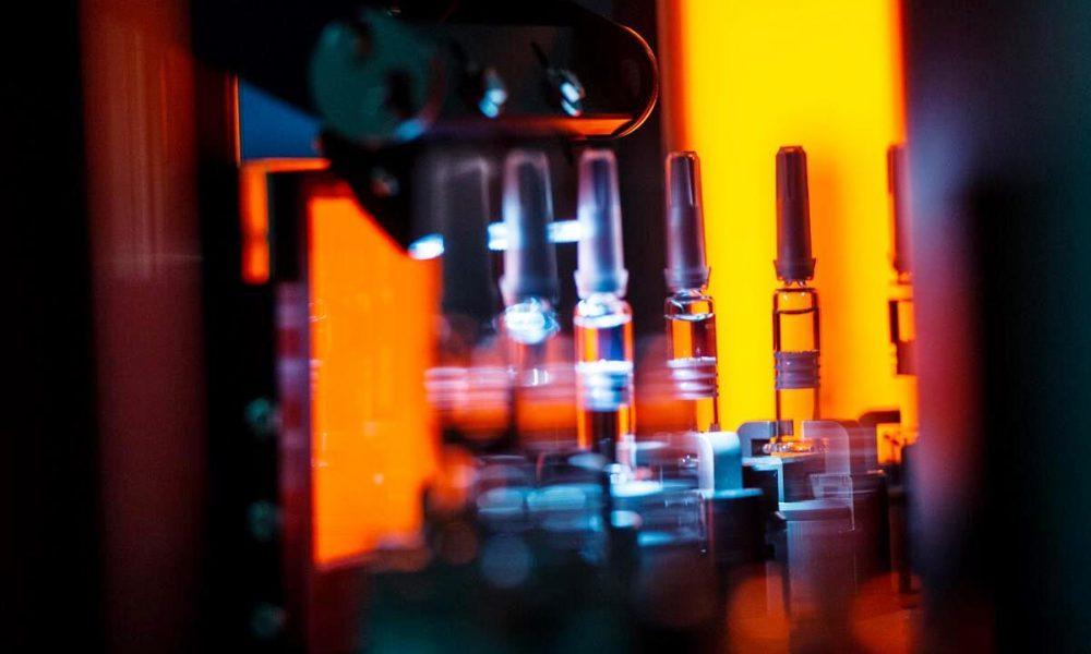 «Петровакс» и CanSino Biologics запускают испытания III фазы вакцины от COVID-19 в России