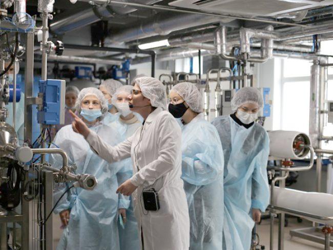 «Биохимик» принял первых гостей в рамках соглашения о развитии промышленного туризма