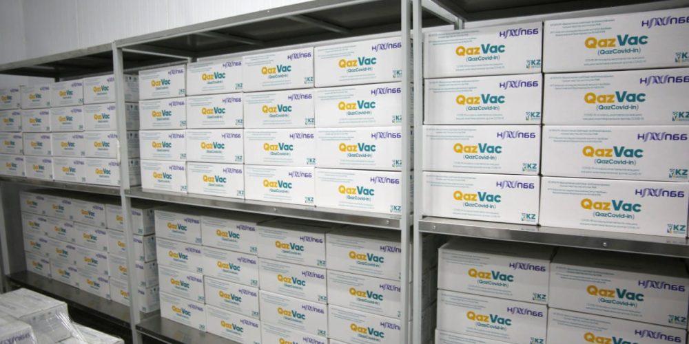В Казахстане запущен завод по производству вакцины QazVac от ковида