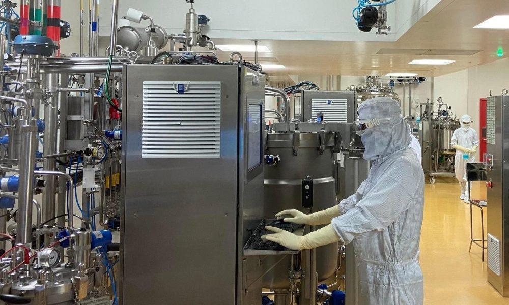 Институт сыворотки может заработать на продаже вакцин от COVID-19 $4 млрд