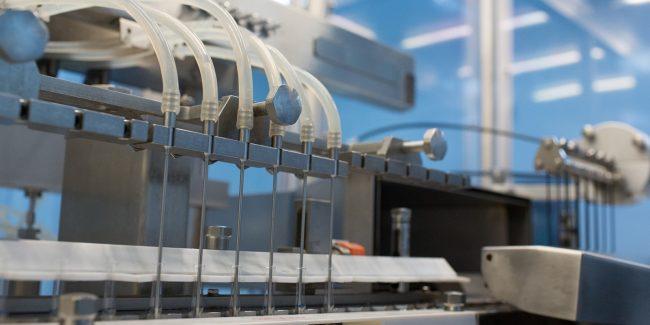 Венгерские специалисты изучат технологию производства российской вакцины от COVID-19