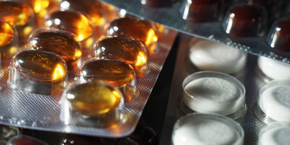 Из государственного реестра исключены 11 препаратов, включая Симепревир