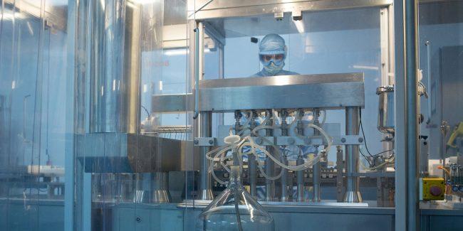 Мурашко: В России начато масштабирование производства вакцин от коронавируса