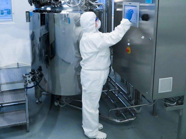 ФМБА России представило на ВЭФ инновационные препараты и технологии
