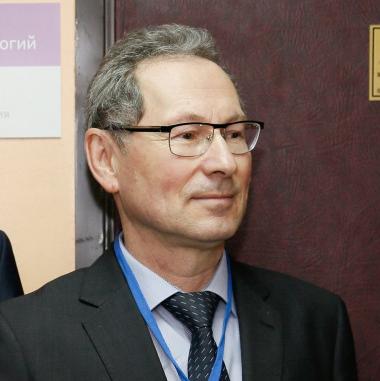 Профессор Р.А. Хамитов